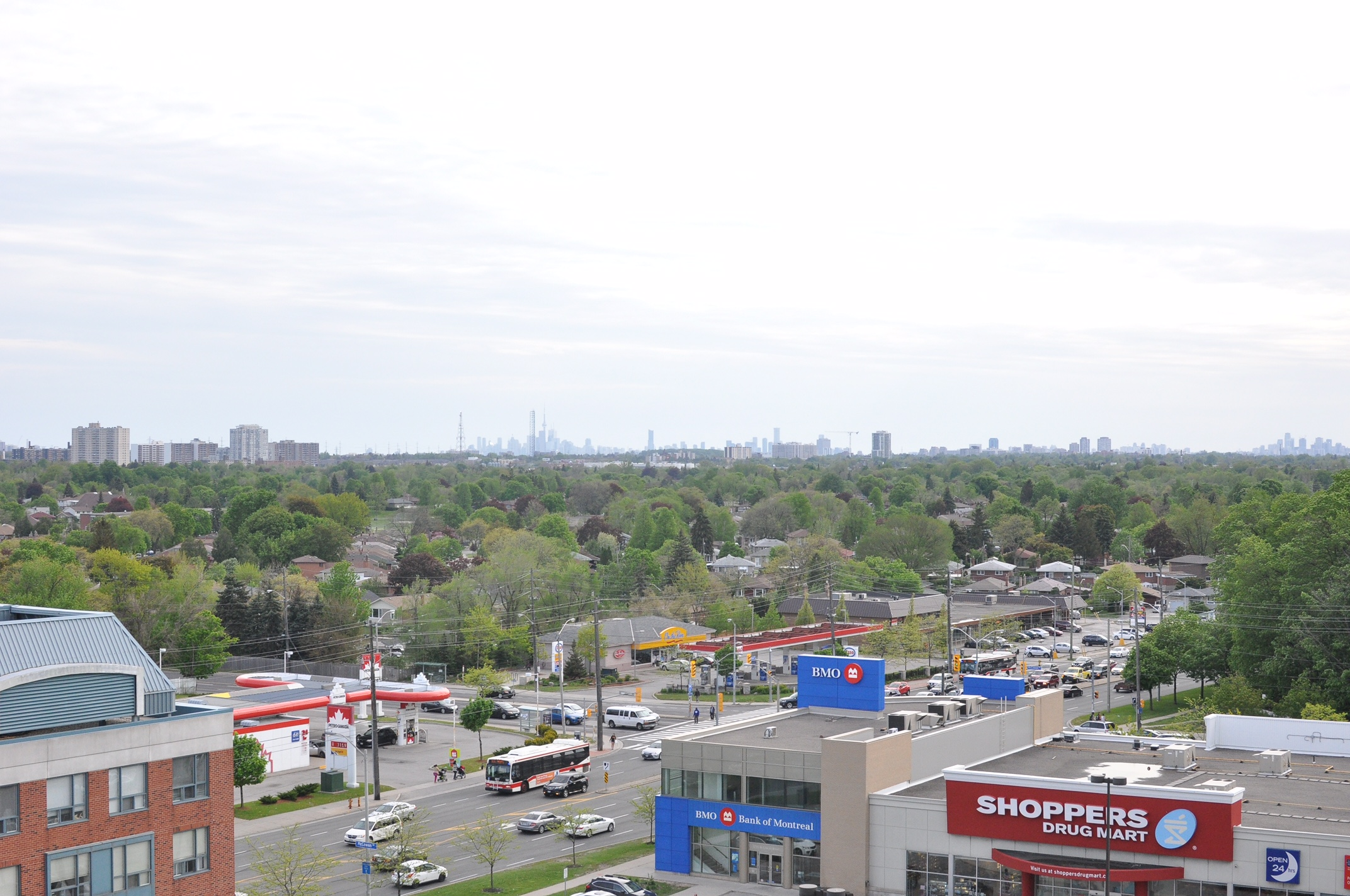 Skyscape at 68 Grangeway Ave | Condos for Rent | DelRentals
